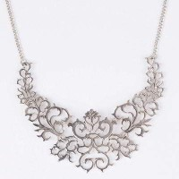 Kalung Korea Hollow Out Forever 21 Necklace (Silver)