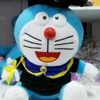 Boneka Graduation Doraemon / Boneka Doraemon by Esslshop