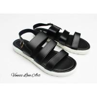 Sandal flat dan platform fashion wanita hitam simple