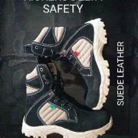 SEPATU BOOTS KICKERS DELTA BLACK SAFETY SUEDE