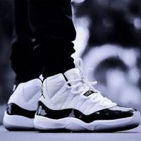 Jual Nike Air Jordan Retro 11 / sepatu cowok / kado cowok / sneakers Murah