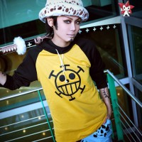 Jual jaket sweater hoodie Hodie anime onepiece One Piece trafalgar law Murah