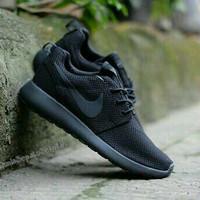 Jual Sepatu Sekolah Nike Rosherun All Full Black Hitam Man Women Murah