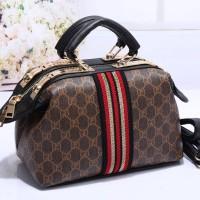 Doctor Bag motif Gucci 8840