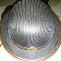 topi boni laken/rajut