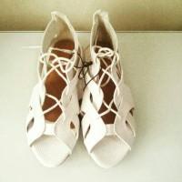 Jual Sepatu Sandal Rubi Cotton On Putih Murah