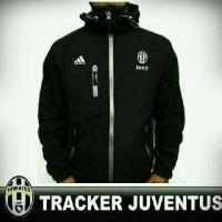 Jaket tracker bola Juventus