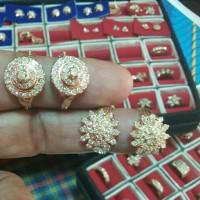 Berlian medan cincin stupa dan cincin matahari