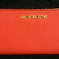 Michael Kors Jet Set Travel Zip Around Continental Wallet [Female]