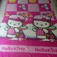SELIMUT BULU KARAKTER HELLO KITTY UK 150200