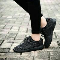 Sepatu Kets Yezzy Hitam Super Keren Abis