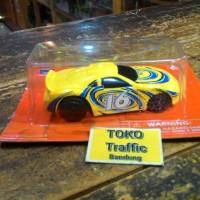diecast mobil racing kuning skala 1/64 merk newray