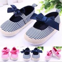 Sepatu Prewalker Bayi Perempuan Ribbon Navy stripe