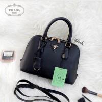 Tas Wanita cewek branded fashion handbags Prada Alma Mini bagus