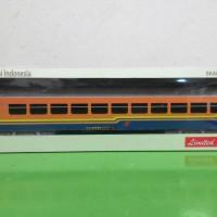miniatur kereta api indonesia - gerbong ekonomi