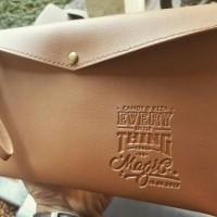 Jual souvenir pernikahan pouch amplop vintage+emboss nama. termurah! Murah
