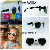 Roshambo Baby Shade Free Willy