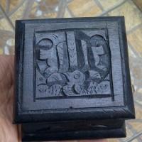Kotak Kayu Ukir Tempat Perhiasan Batu Cincin Permata Akik 8x8x5 cm