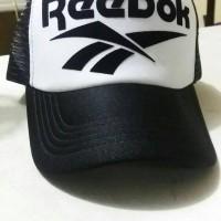 Topi Trucker Reebok