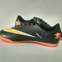 sepatu futsal Nike untuk anak ukuran 33-37