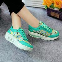 Sepatu Wanita Kest Casual Motif Bunga SDS166 EXCLUSIVE
