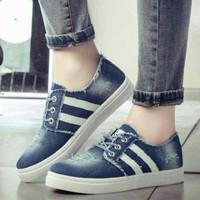 Sepatu Wanita Kets jeans Dongker SDS131 TRENDI