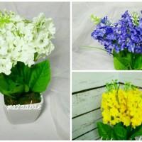 Buket bunga artificial dan vas melamin shaby cic