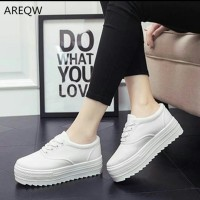 sepatu wanita trendy white