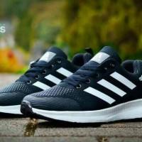 Sepatu Olah Raga Pria Adidas