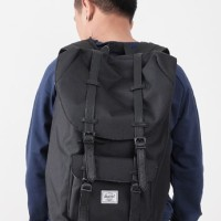 HERSCHEL LITTLE AMERICA BACKPACK BLACK / NAVY / PINK