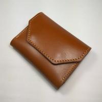 dompet kartu unik dan simpel muat banyak kartu kulit sapi asli tan