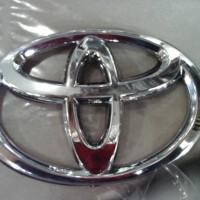 Logo toyota cayla depan