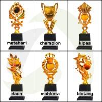 Piala/Trophy Figur Tinggi 30cm (mini)