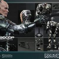 Hot Toys Robocop Battle Damaged