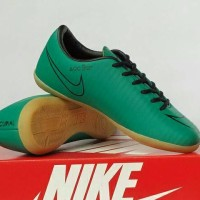 Sepatu Futsal Anak Nike Mercurial / Olahraga Sepak Bola & Futsal Anak