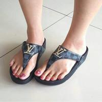 sandal wanita fitflop lv