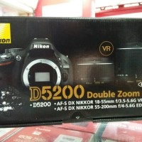 nikon D5200 double lensa kit 18-55 + 55-200