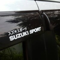 Stiker Suzuki Sport untuk talang air Swift, SX-4, Baleno, Vitara