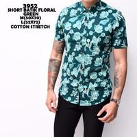 3952 Short Batik Floral Green Kemeja Batik Pendek Pria