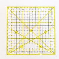 Quilting Ruler / Penggaris Bahan - Penggaris Quilting TOYO 15 x 15 cm