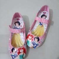 harga sepatu anak barbie & princess import korea Tokopedia.com