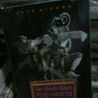 Tari klasik gaya Yogyakarta.