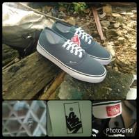 Sepatu Pria / Cowok sepatu vans authentic grey / abu