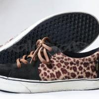 Jual Sepatu Vans AV (Anthony Van Engelen) Sk8 Low Leopard / Black