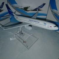 Miniatur pesawat garuda airbus 1 mesin