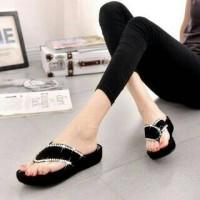 SALE NEW!! Sepatu Sandal Wedges Jepit Hitam Bukan Yongki