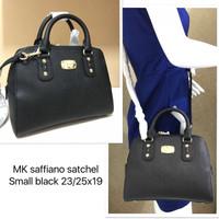 Michael Kors Small satchel saffiano