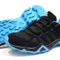 Fashion Pria / Sepatu Sneakers / Adidas ax2 traxion