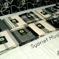 harga Sarung Gajah Duduk - Black & White Tokopedia.com