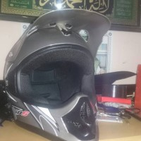 Helm Cross Klx 150 100% original ukuran L